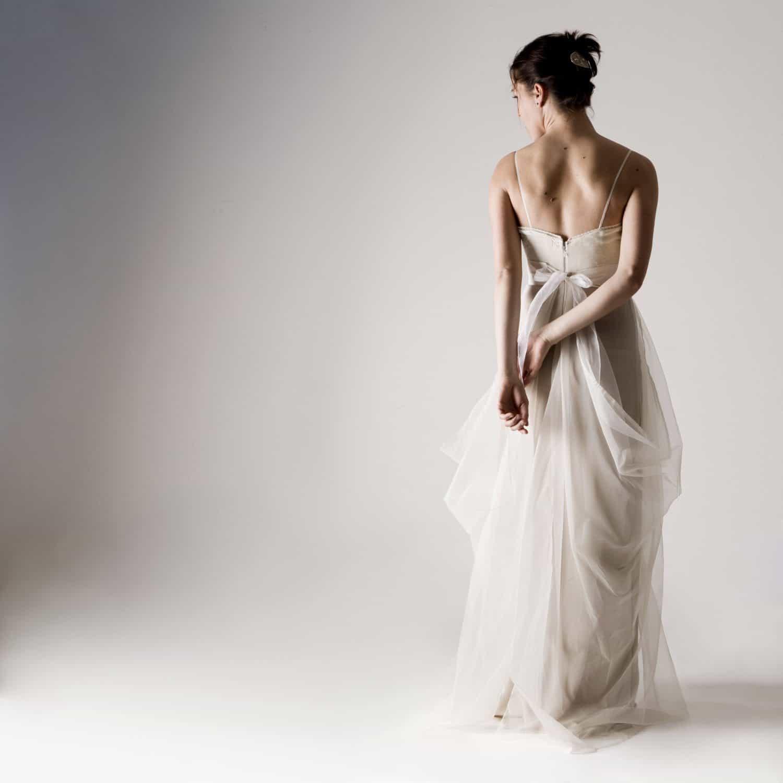 Potentilla silk wedding dress larimeloom italian for Wedding dresses made in italy