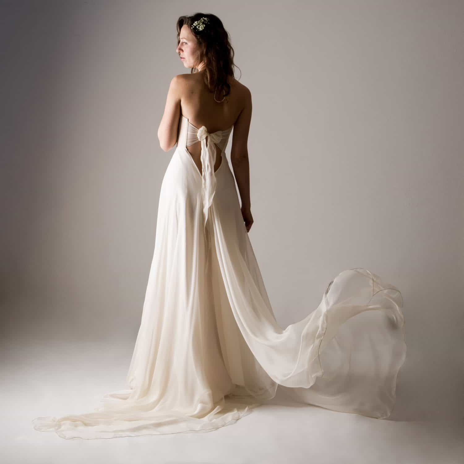 Backless Wedding Dresses.Acanthus Fairy Backless Wedding Dress