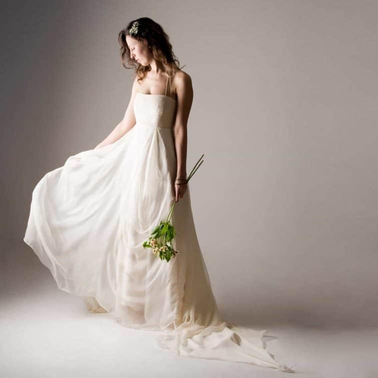 Nigella ~ Backless Wedding Dress