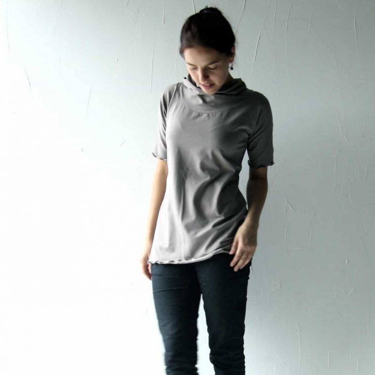Short sleeve cowl top