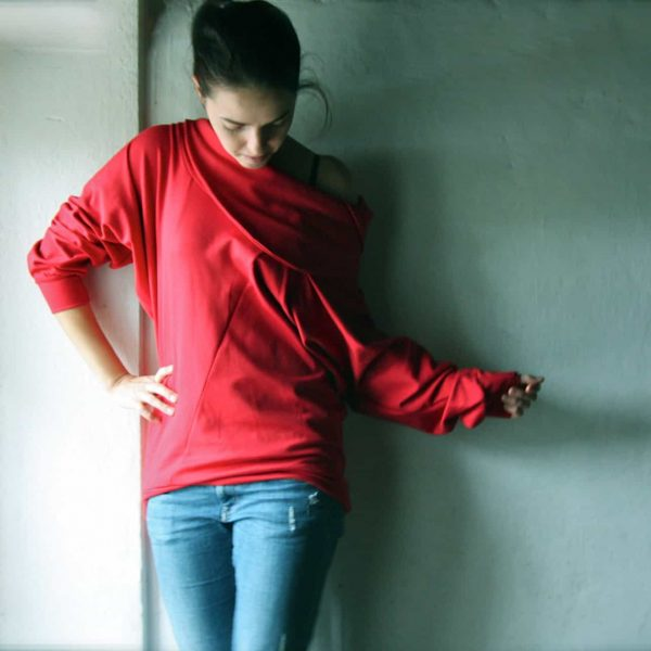 Red asymmetrical sweatshirt