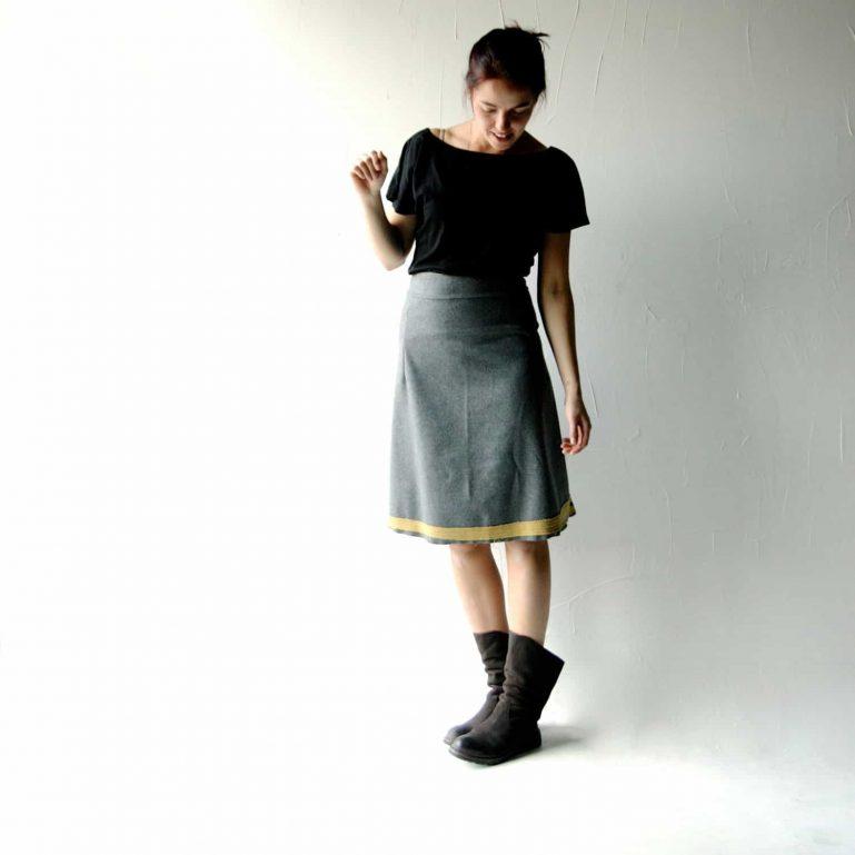 High waisted wool skirt