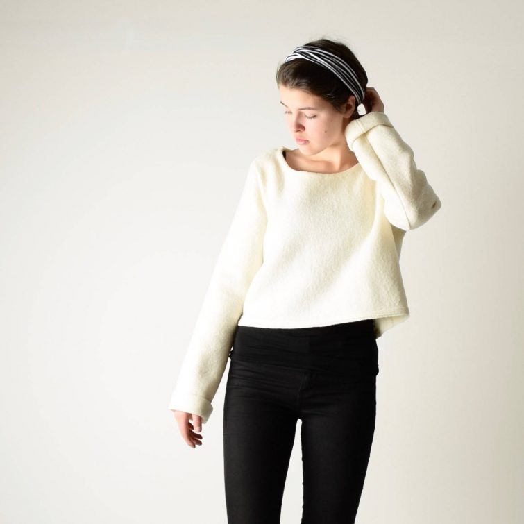 Virgin wool crop Sweater