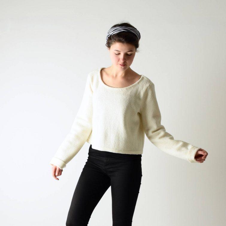 Virgin wool crop Sweater