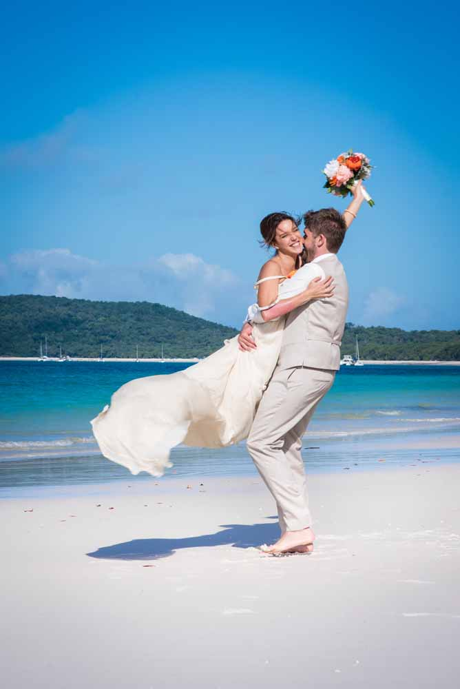 M + J and their Bahamas dream wedding ~ Larimeloom real bride