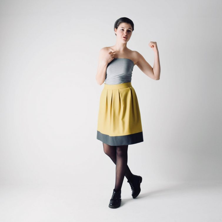 Classic yellow skirt in wool ~ High waist skirt by Larimeloom