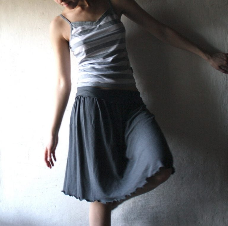 Gathered jersey skirt ~ Knee length skirt by Larimeloom