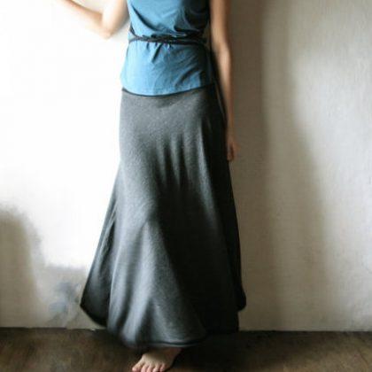 Larimeloom skirt review