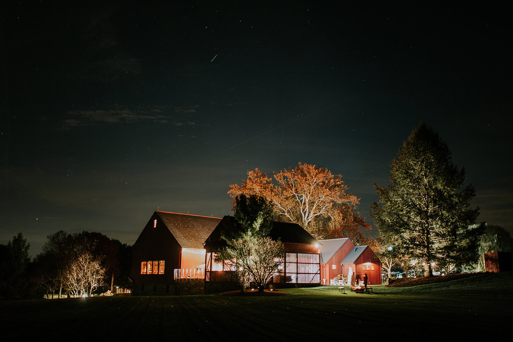 Jess & Garrett ~ Moody, beautiful barn wedding ~ Real bride in Larimeloom