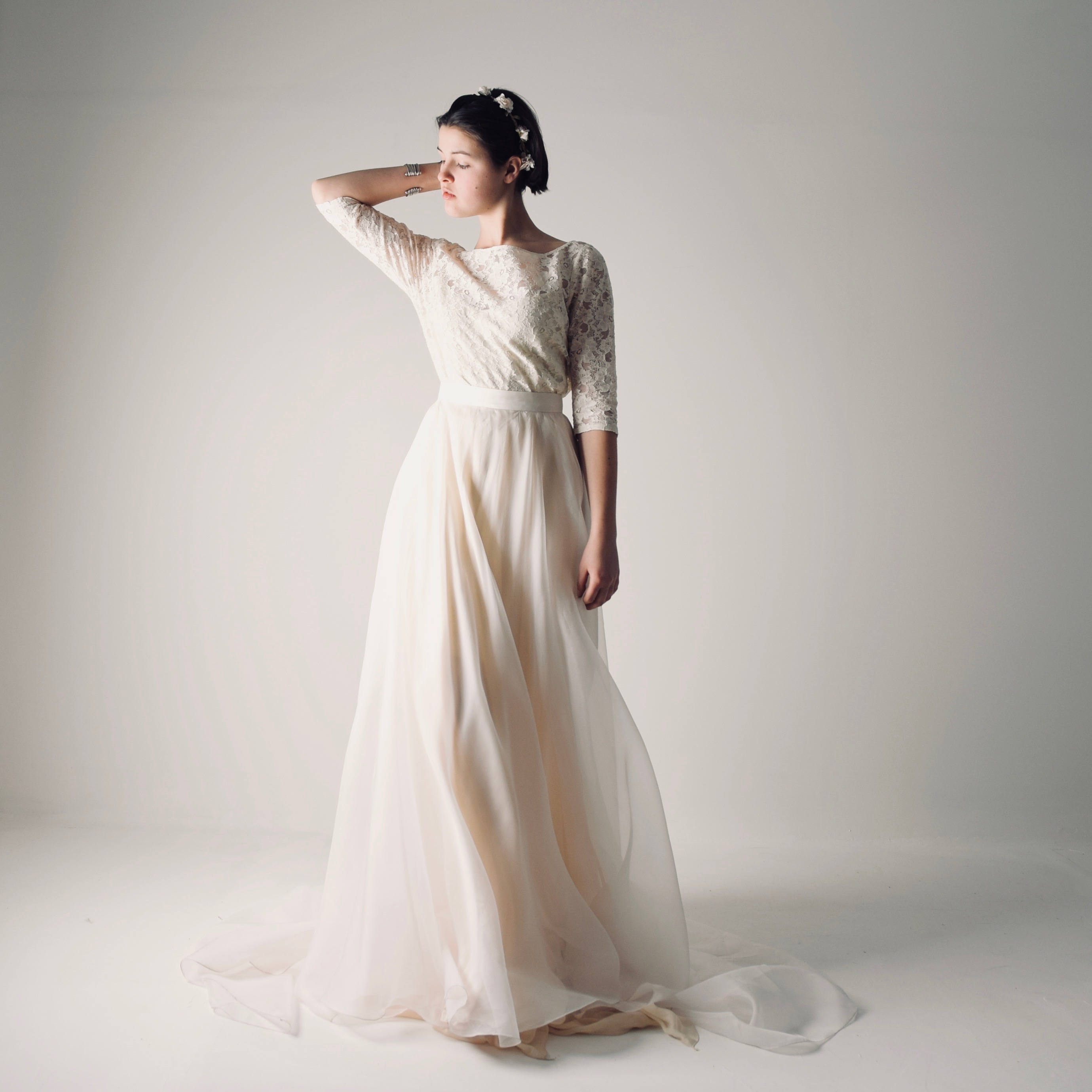 26d4fffa34 Modest lace wedding dress ~ Larimeloom