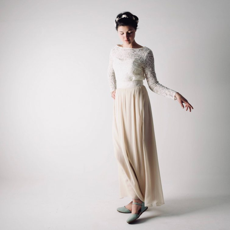Vinca ~ Long sleeve modest wedding dress ~ Lace outfit by Larimloom