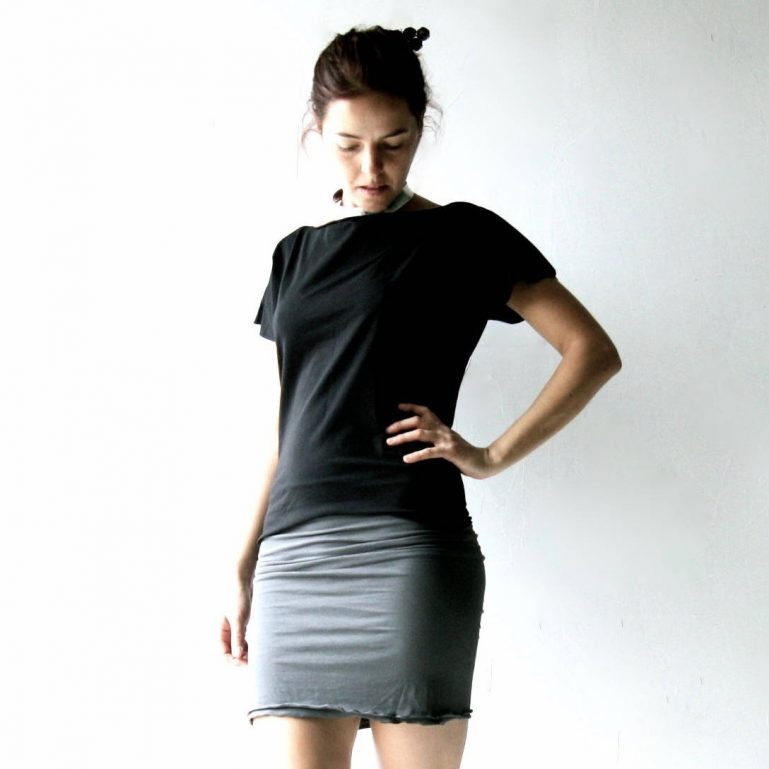 Stretchy fitted pencil skirt