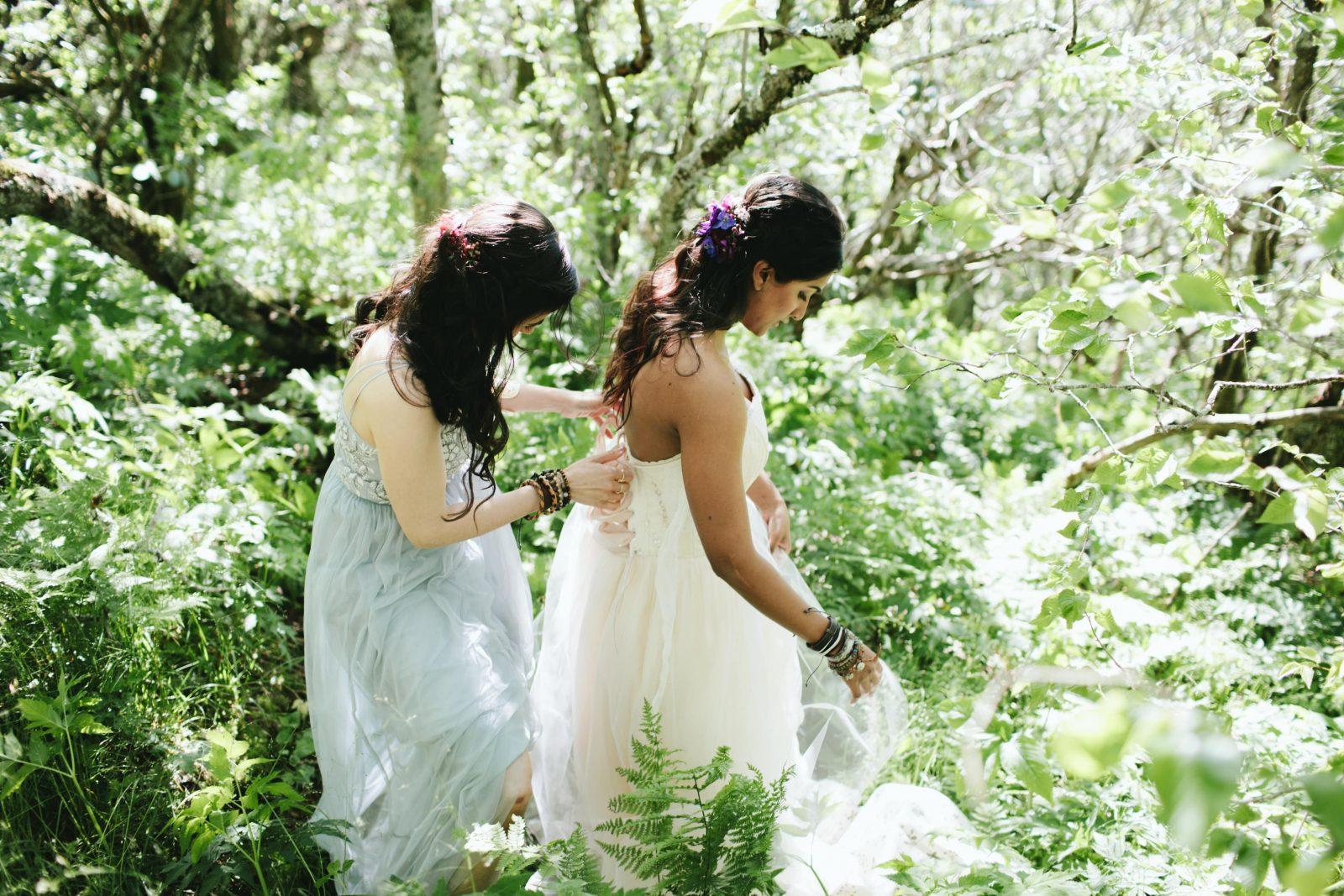 Custom Paeonia wedding dress by larimeloomCustom Paeonia wedding dress by larimeloom