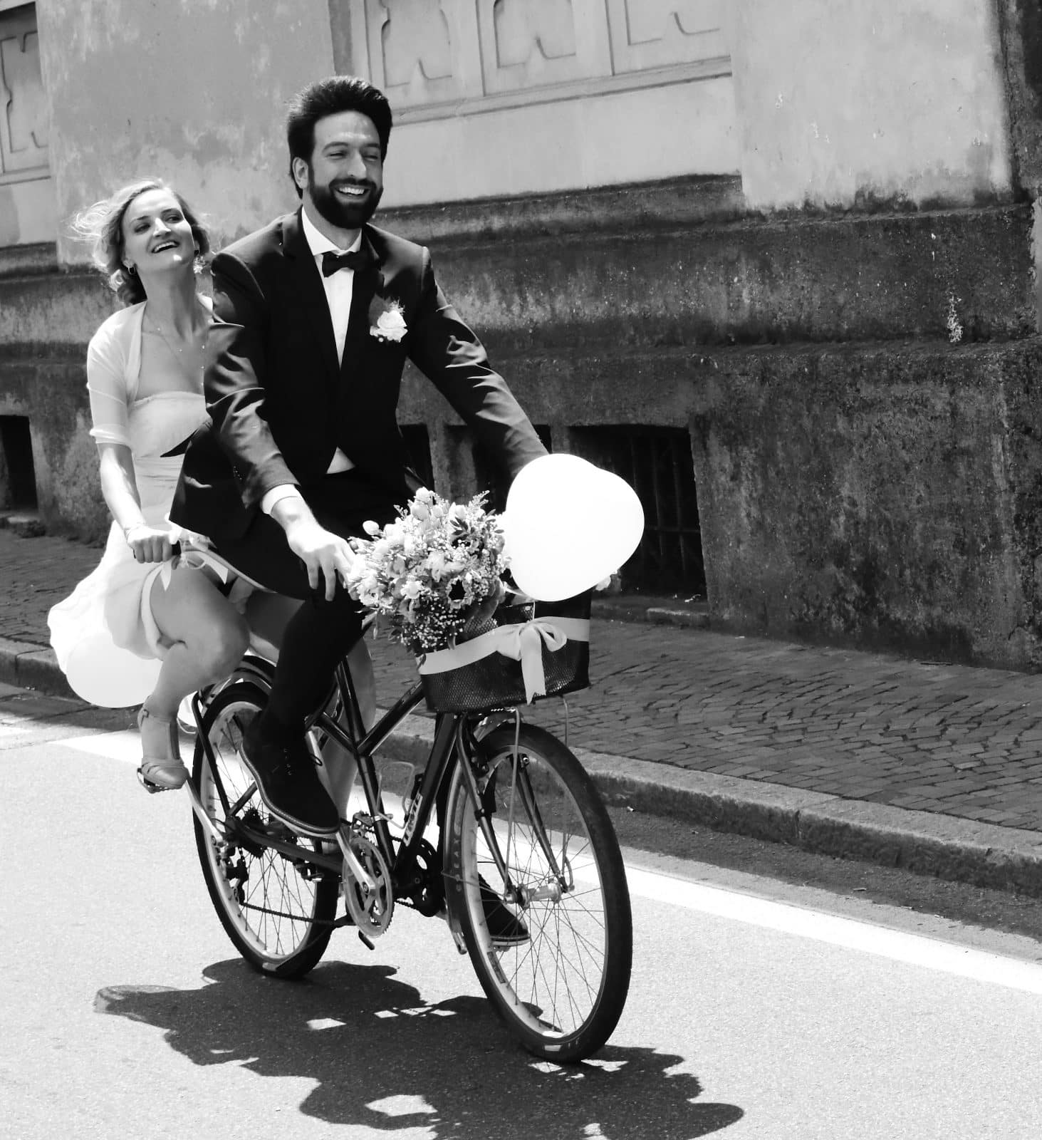 larimeloom bride riding a bike