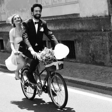 larimeloom bride riding a bike