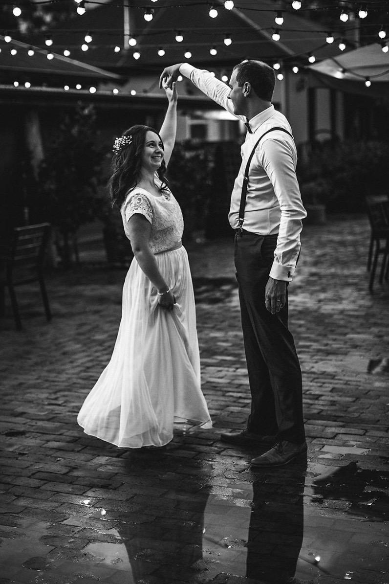 two peice wedding outfit, outdoor wedding, bride and groom, bohemien brides, australia wedding