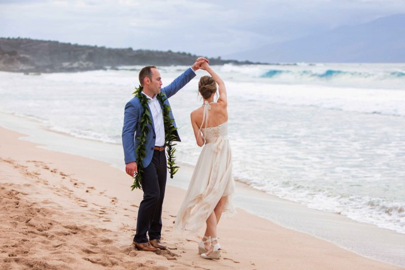 beach wedding, short wedding dress, sunset wedding, romantic destination wedding