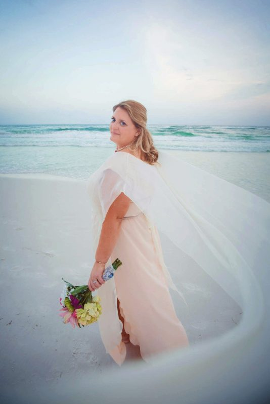 plus size bride, curvy wedding dress, dream wedding, beach wedding