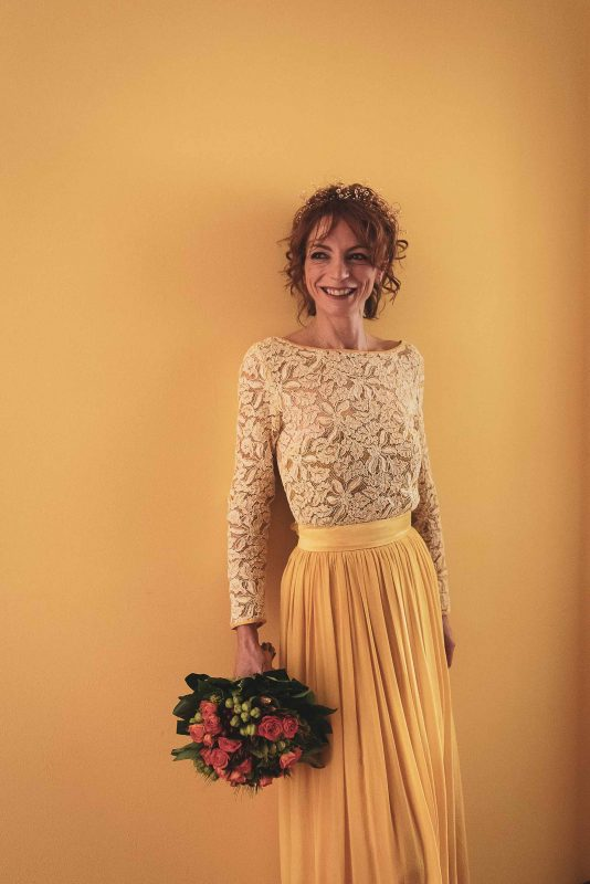 alternative wedding outfits, golden wedding dress, yellow wedding skirt, bridal designs, original wedding ideas